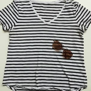 Old Navy Stripped Relaxed Top Size Medium